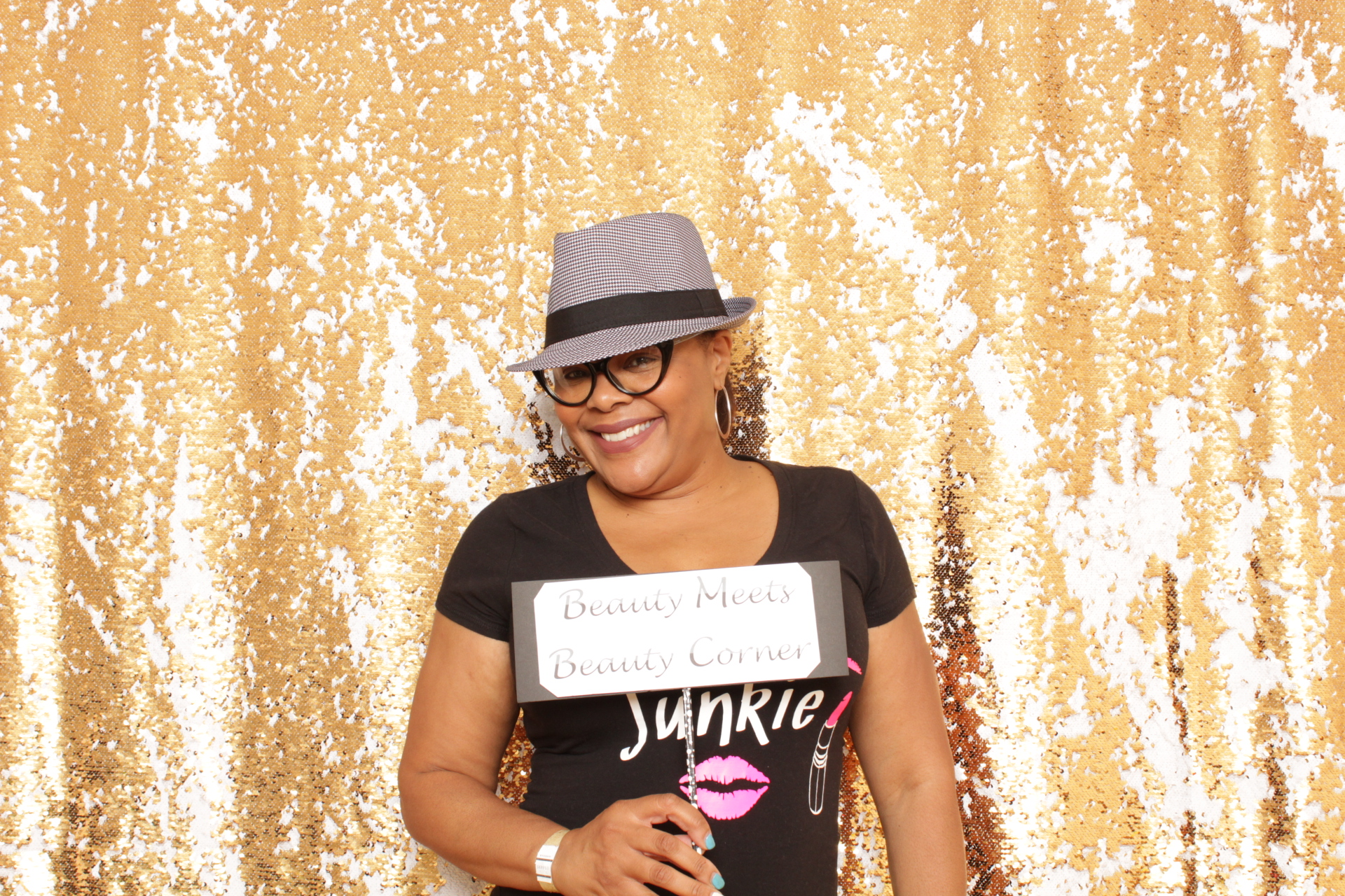 photo booth rental for parties, weddings and events
